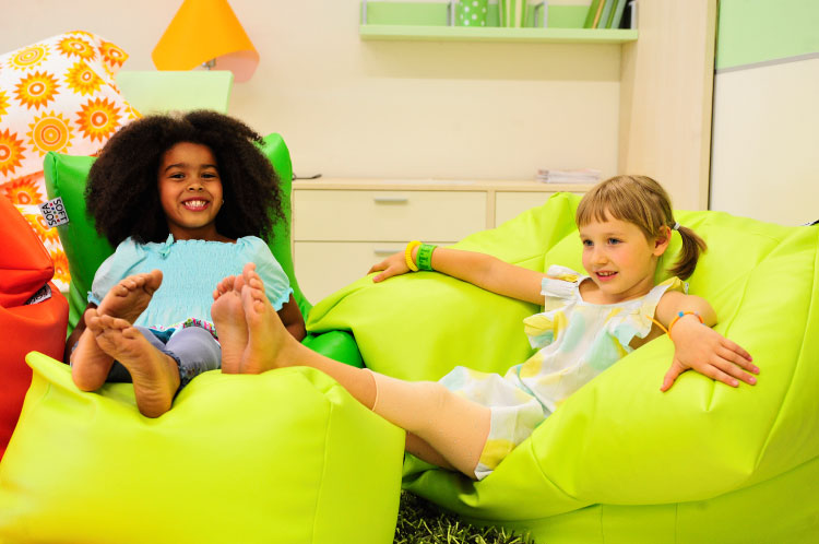 Sofa Soft Poltrò Mini - The beanbag chair with footrest for babies