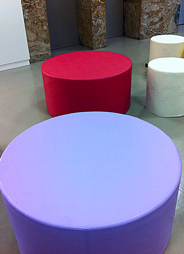 Sofa Tub Tubò Ecopelle - The cylindrical colored maxi pouf