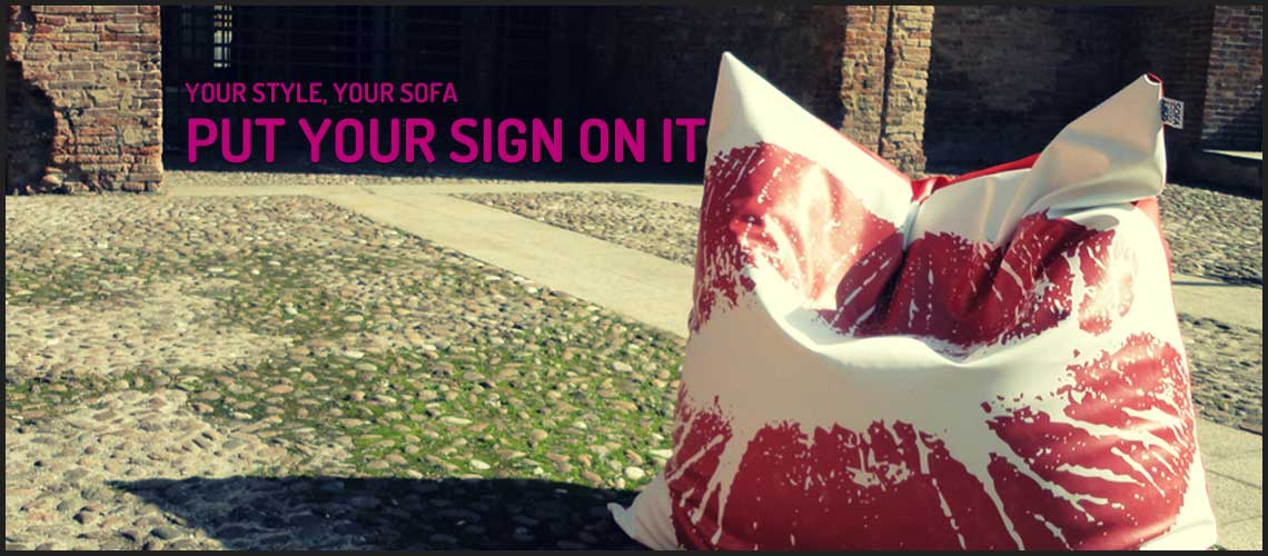 Print on it! Your style your Sofa: put your sign on it. Personalized silk-screen print.